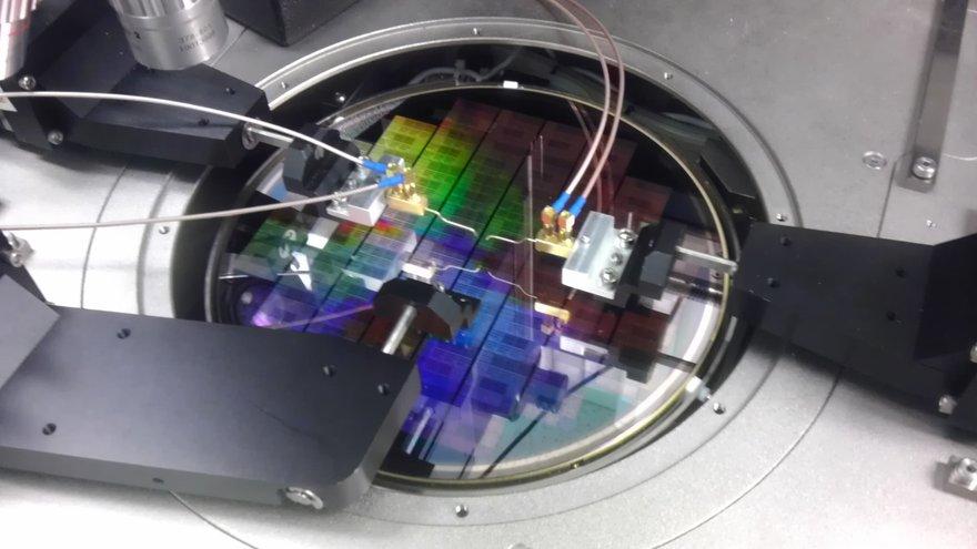 140709 IBM graphene component lab