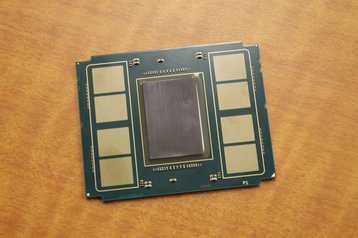 Intel Xeon Phi 'Knights Landing' chip (heat shield removed)