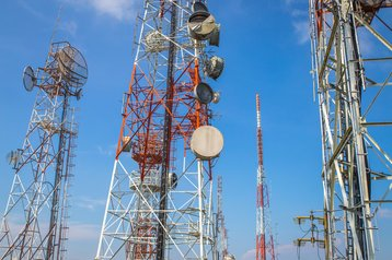 Mobile base stations, towers