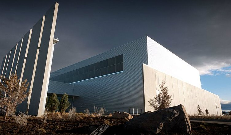 Facebook's Prineville Data Center. Image courtesy of the Creative Commons