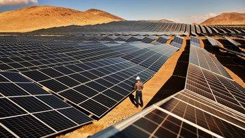 Apple turquoise solar farm nevada.jpg