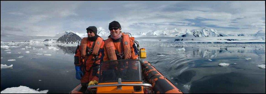 boat antartica