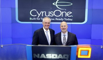 Jack Cassidy, chairman of the board (left) and Gary Wojtaszek, president and CEO of CyrusOne rang the opening bell at Nasdaq on 22 January, 2013