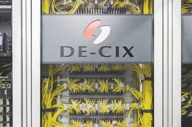 DE-CIX_Interconnection_Plattform_Patchpanel.jpg