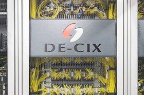DE-CIX_Interconnection_Plattform_Patchpanel.jpg