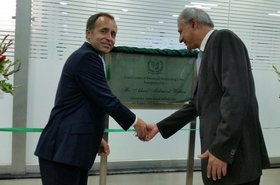 Tom Drew, British High Commissioner, with Ashraf Mahmood Wathra, the Governor of the State Bank of Pakistan