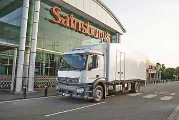 A Sainsbury's refrigerated truck powered by a Dearman engine