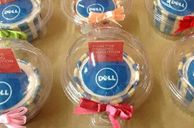 dell cupcakes by mom and daughter cakes