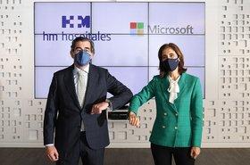 Dr. Juan Abarca Cidón, presidente de HM Hospitales y Pilar López, presidenta de Microsoft en España.jpg