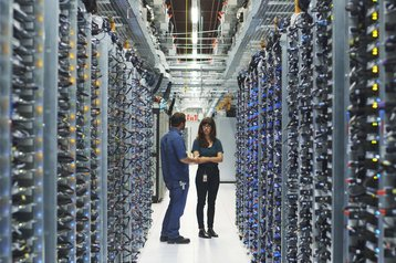 Google uses DeepMind AI to cut data center PUE by 15% - DCD
