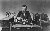 Guglielmo_Marconi_1901_wireless_signal LIFE photo archive small.jpg