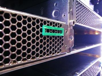 HPE rack side