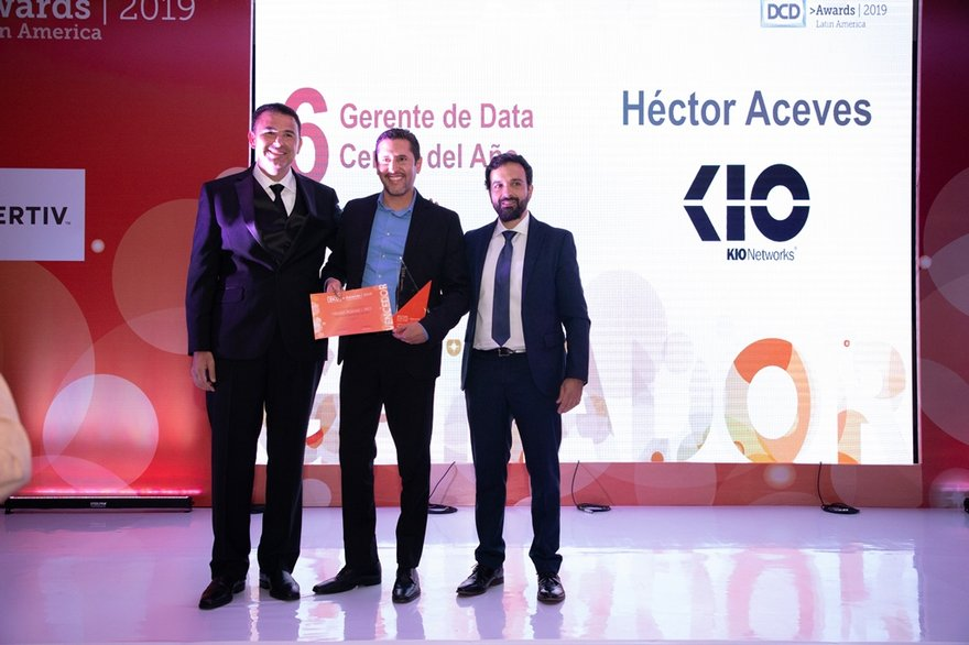 "Hector Aceves de KIO de Mexico ganador de ""Gerente de Data Center del año 2019"".jpg"