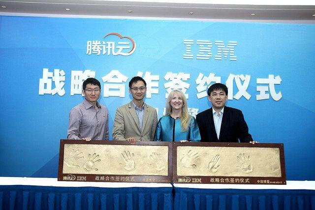 Palm prints (L-R): Qiu Yuepeng, corporate VP of Tencent, Taosang Tong, president of Social Network Group and executive SVP of Tencent Group, Nancy Thomas, managing partner at IBM GCG GBS and David Cheng, GM of IBM South China Region