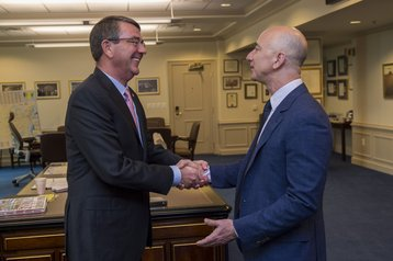 Jeff Bezos and then-Secretary of Defense Ash Carter (2016)