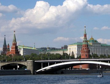 Moscow River with Kremlin in the background ÔÇô a 15-minute drive from TelehouseÔÇÖs new data center