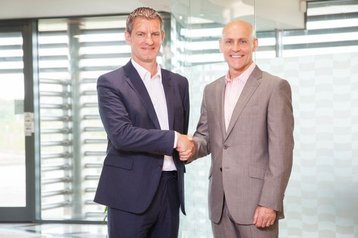 Onyx chief executive Neil Stephenson and Pulsant counterpart Mark Howling