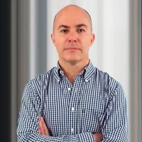 Roberto Barías.png