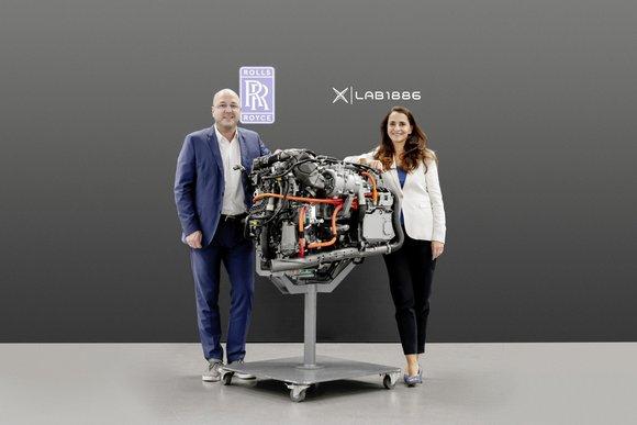 Rolls-Royce and Lab1886.jpg