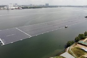 Singapore -- Sunseap floating solar farm.jpg
