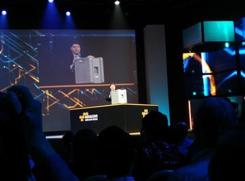 Amazon unveils Snowball at AWSn re:Invent