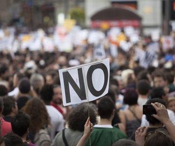 Protest banner No demonstration