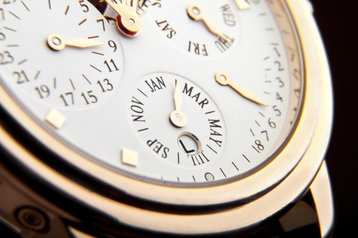 Luxury swiss watch time dial gold