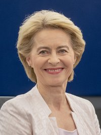 (Ursula_von_der_Leyen)_2019.07.16._Ursula_von_der_Leyen_presents_her_vision_to_MEPs_2_(cropped).jpg