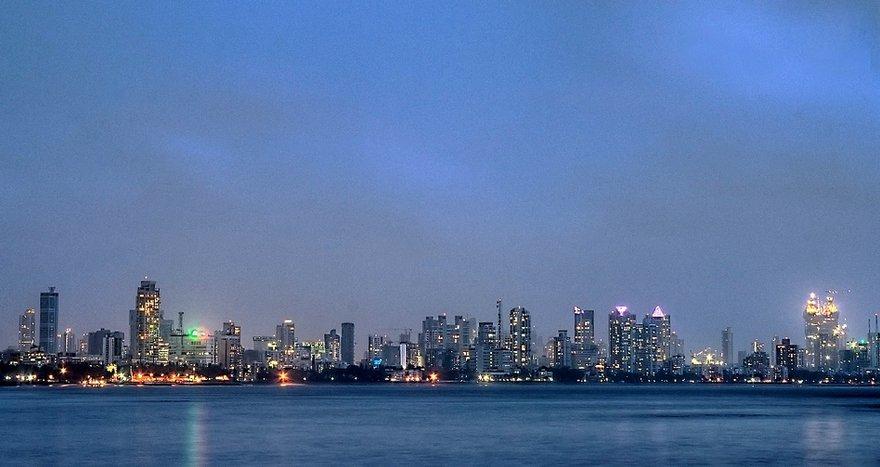 Worli_skyline_from_Bandra.jpg