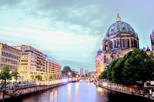 berlin-cathedral-1882397__340.jpg