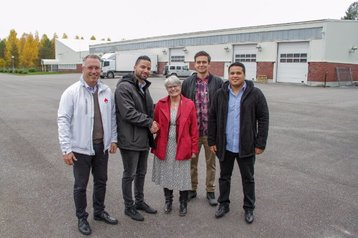 (L-R) Patrik Öhlund, CEO Node Pole; Gabriel Parada, COO The Future of Mining; Helena Helena Öhlund, Mayor Älvsbyn City; Lukas Foster, Operations Manager, The Future of Mining; Gianfranco Castillo, CEO, The Future of Mining