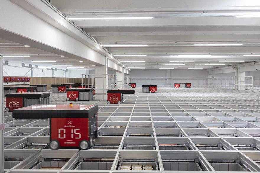 giesswein autostore robot warehouse smaller.jpg