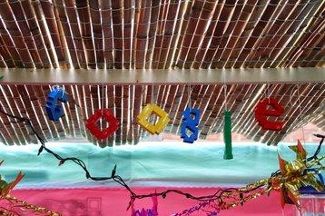 Google logo hanging