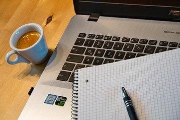 home-office-5000278_1920 Anrita1705 pixabay .jpg