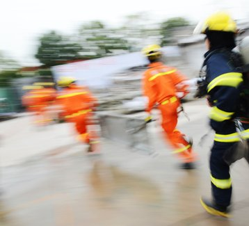 Disaster recovery (Thinkstock/hxdbzxy)