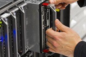 Replacing a blade server