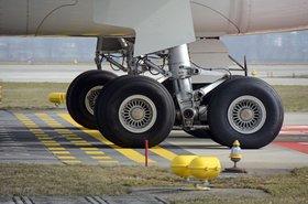 main-landing-gear-1456716.jpg