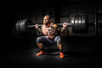Weightlifter / balancing the load