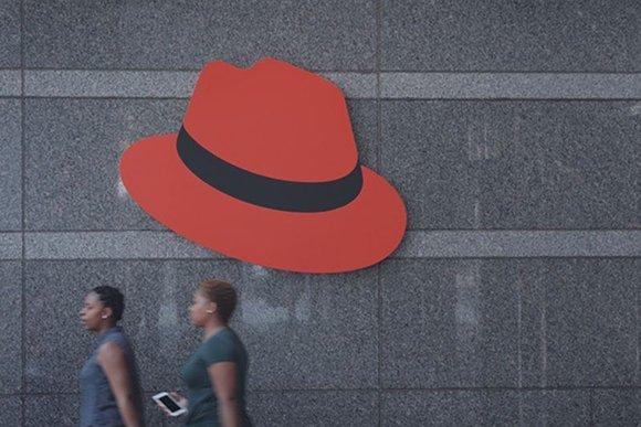 red_hat_entrance_800x600.jpg