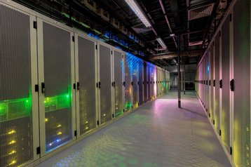 servers green