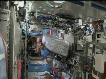 HPE's Spaceborne Supercomputer Installed on the ISS - xSKhdIlswDA